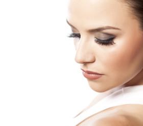 lash extensions vs false lashes