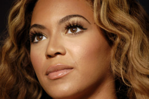 beyonce false lashes