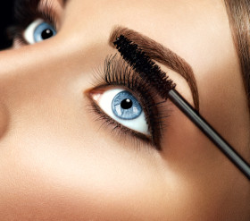 Get On Trend with Eyebrow Extensions