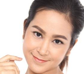 eyebrow extensions vs microblading